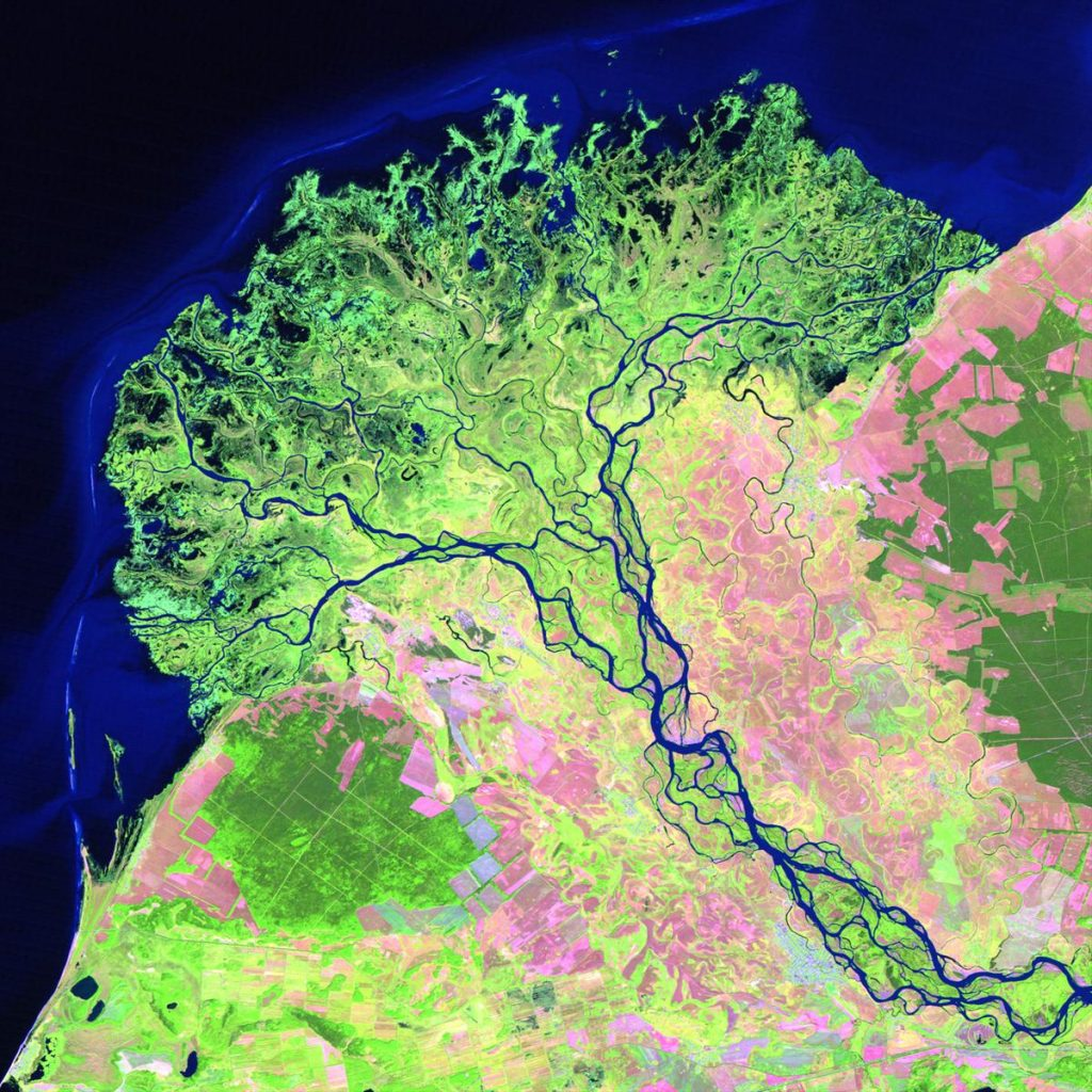 211_the_selenge_river_delta